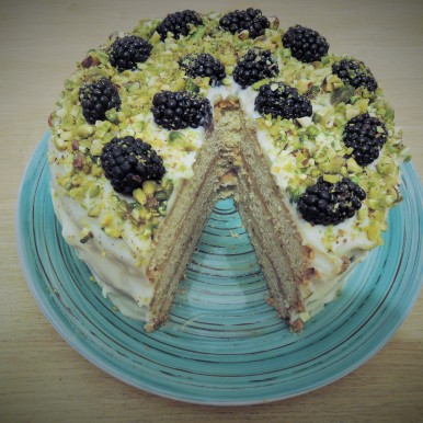 Blackberry and pistachio cake