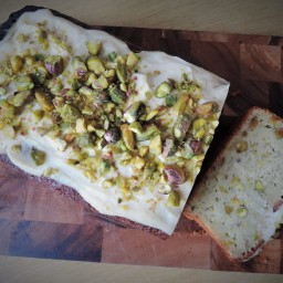 Courgette, lime and pistachio cake